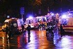 Полиция на месте взрыва в центре Стамбула, Турция. 10 декабря 2016 года