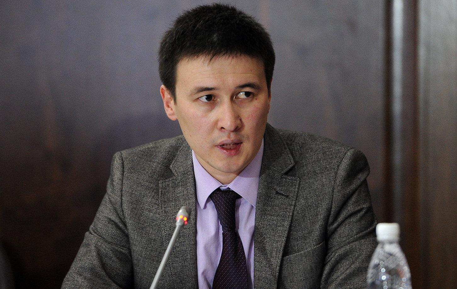 Председатель правления ОАО Национальная энергетическая холдинговая компания Айбек Калиев на совещании по итогам деятельности ОАО Национальная энергетическая холдинговая компания за 9 месяцев 2016 года
