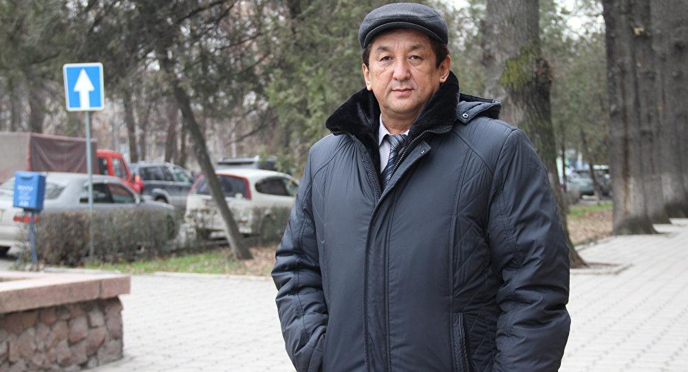 Архивное фото кыргызстанского бортинженера Урустома Жусупбекова
