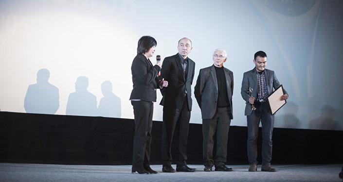 Мероприятие проводилось при поддержке Министерства культуры информации и туризма КР, Союза кинематографистов Кыргызстана, Департамента кинематографии при МКИТ и общественного фонда Айтыш