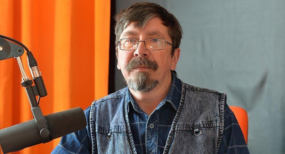 Астролог Вячеслав Бонча во время интервью радио Sputnik Беларусь