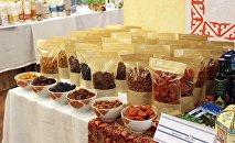 Фрукты на выставке-ярмарке кыргызских товаров. Архивное фото