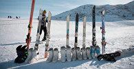 Лыжное снаряжение. Архивное фото