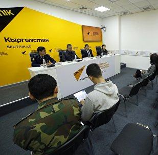 Пресс-конференция на тему Стихийная торговля в Бишкеке в преддверии празднования Нового года
