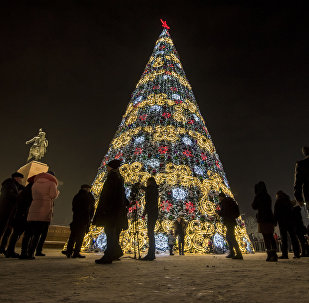 Церемония зажжения главной новогодней елки на площади Ала-Тоо