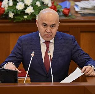 Депутат Алтынбек Сулаймановдун архивдик сүрөтү