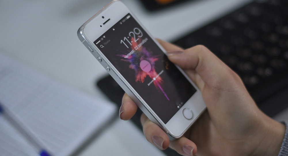 Картинки по запросу телефон в руке