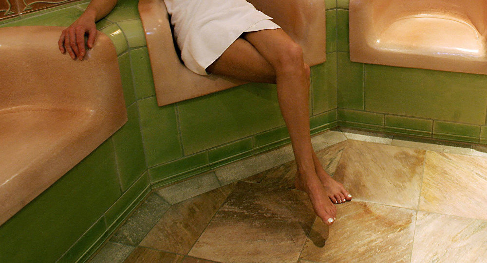 Жена с любовником в бане