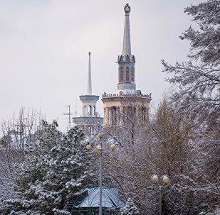 Шпиль Международного Университета Кыргызстана. Архивное фото