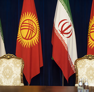 Флаги Кыргызстана и Ирана. Архивное фото