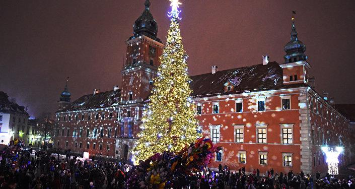 Новогодние елки в разных городах мира