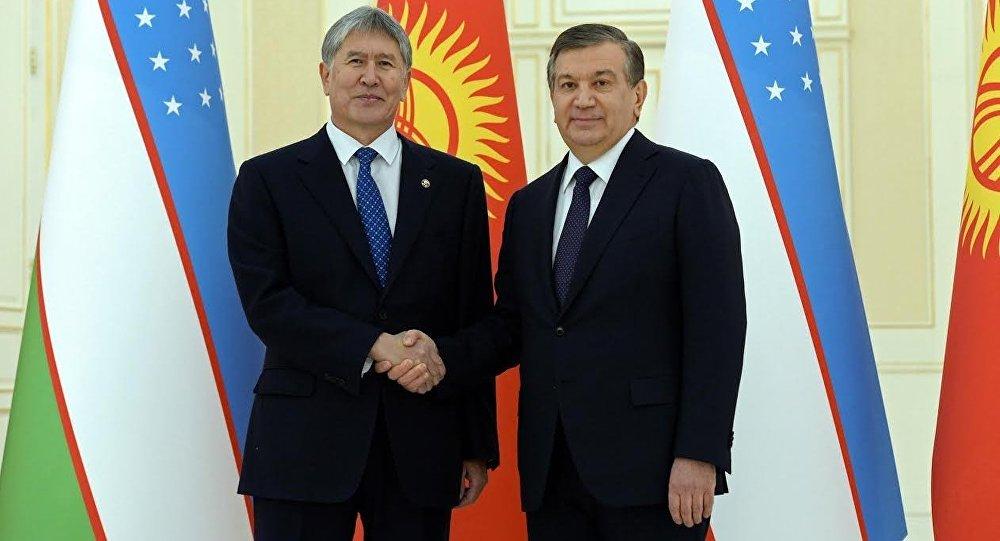 Алмазбек Атамбаев возложил цветы кмогиле Ислама Каримова