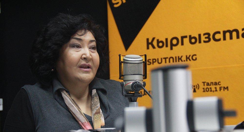 Кыргызстандын эмгек сиңирген артисти Гүлнара Тойгонбаева