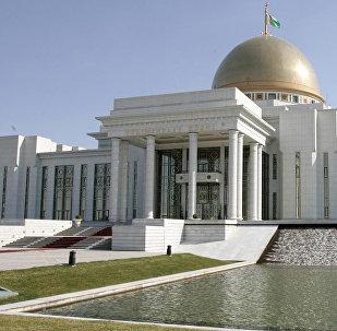 Ашхабаддагы туркмен президентинин резиденциясы. Архивдик сүрөт