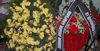 Бүгүн Россиянын Ош шаарындагы башкы консулдугунда Россиянын Коргоо министрлигине таандык ТУ-154 үлгүсүндөгү кыйраган учакта каза болгон 92 адамды эскерүү иш-чарасы өткөрүлдү