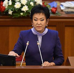 Жогорку Кеңештин VI чакырылышынын депутаты Гулкан Молдобекованын архивдик сүрөтү