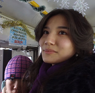 Жаңы жылдык маанай. Бишкектеги бекер троллейбус