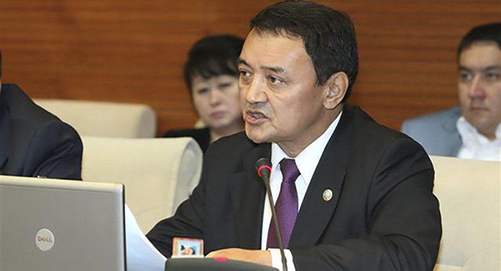 ВКазахстане депутата выгнали изпарламента из-за скандального видео