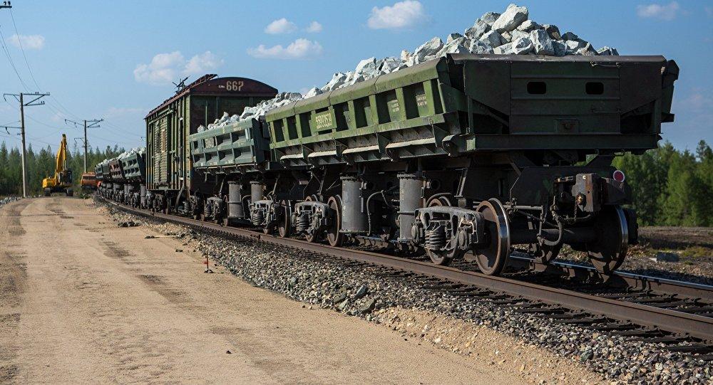 Разгрузка вагонов. Архивное фото
