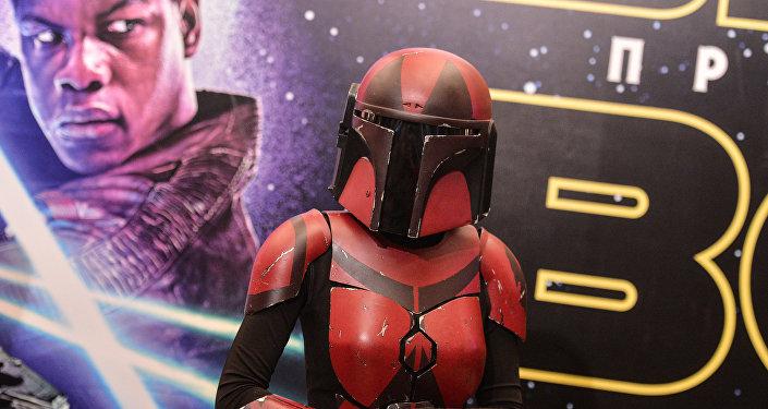 Посетительница на премьере фильма Звёздные Войны Пробуждение Силы. Архивное
