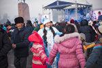 Праздничные мероприятия и народные гуляния на площади Ала-Тоо