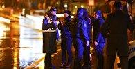 Сотрудники полиции Турции на месте нападения на ночной клуб в Стамбуле