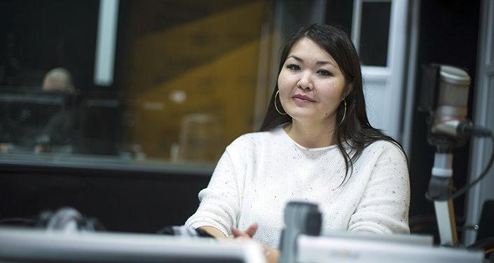 Врач Республиканского центра наркологии Гульнура Алимова во время интервью Sputnik Кыргызстан