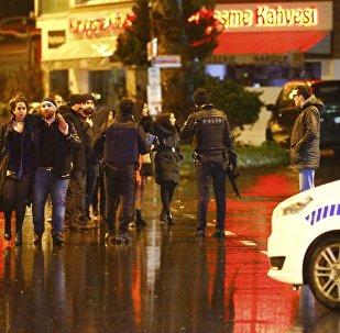 Жардыруу болгон жердеги полиция кызматкерлери