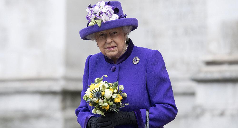 Каныша Елизавета II. Архивдик сүрөт