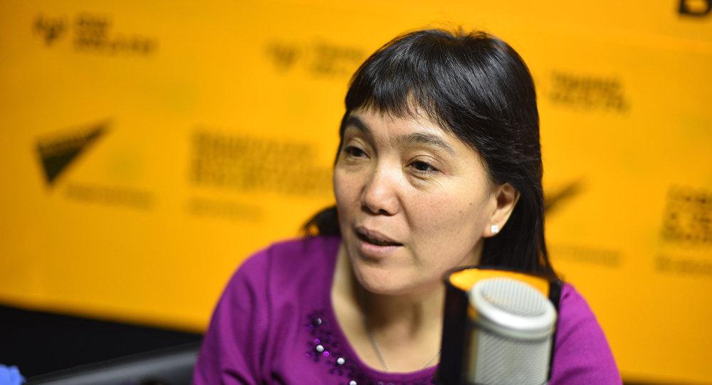 Руководитель пресс-службы мэрии Бишкека Гуля Алмамбетова во время интервью на радио Sputnik Кыргызстан