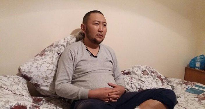 Житель села Мады Кара-Сууйского района Ошской области Акжол Калбаев, которого держали в плену и пытали 10 дней