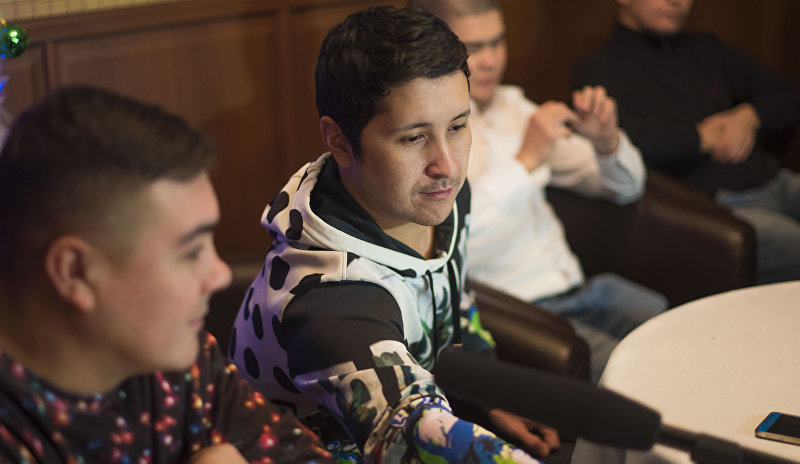 Участник команды КВН Азия MIX Элдияр Кененсаров во время интервью агентству Sputnik Кыргызстан в Бишкеке