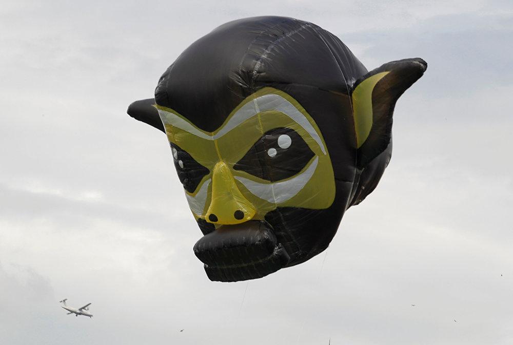 Колумбиянын Энвигадо шаарында үйлөмө шарлардын фестивалында