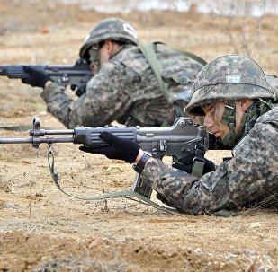 АКШ менен Түштүк Кореянын бирдиктүү аскер машыгуусу. Архивдик сүрөт