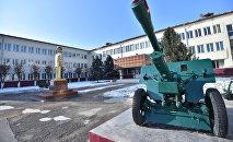 Дайыр Асанов атындагы (Суворов училищеси). Архивдик сүрөт