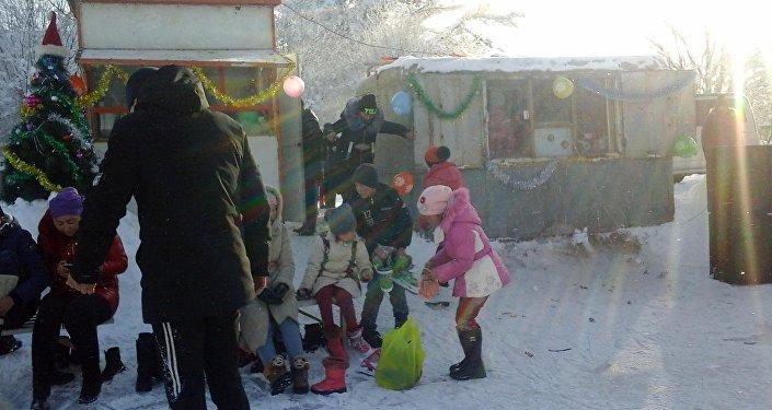 Ак-Талаа районуна караштуу Баетов айылында мектеп окуучуларын спортко шыктандырган жалгыз муз аян иштеп жатат