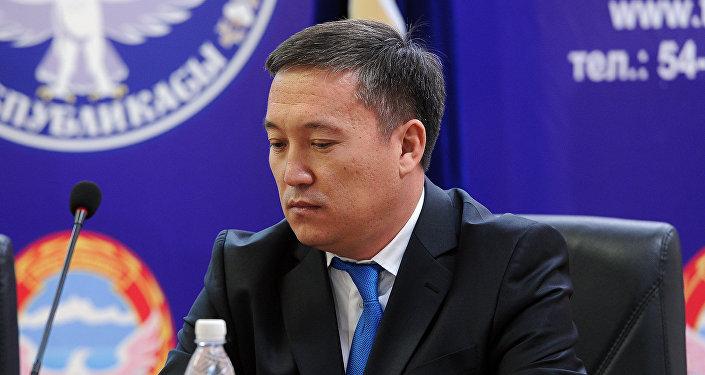 Архивное фото председателя Государственной налоговой службы Замирбека Осмонова