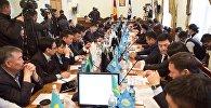 Депутаты Бишкекского городского кенеша на заседании. Архивное фото