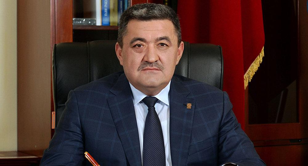 Мэр города Бишкек Албек Ибраимов в рабочем кабинете. Архивное фото