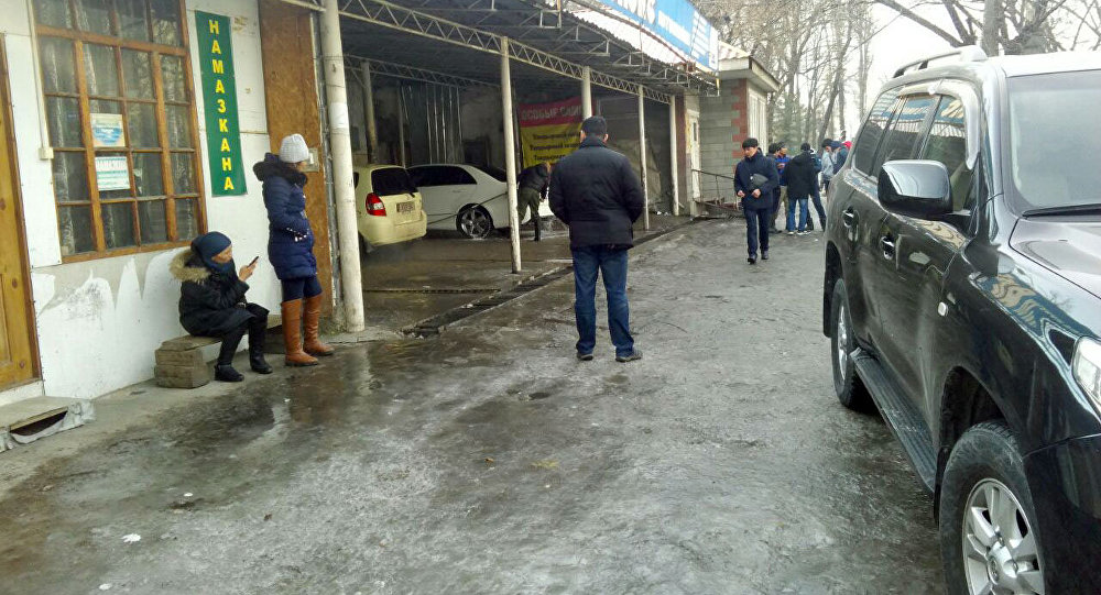 Автомойка по улице Фрунзе, сотрудник которого попал в аварию на машине клиента