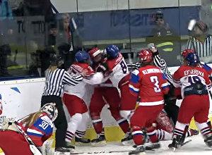 Побоище устроили хоккеистки России и Чехии на ЧМ