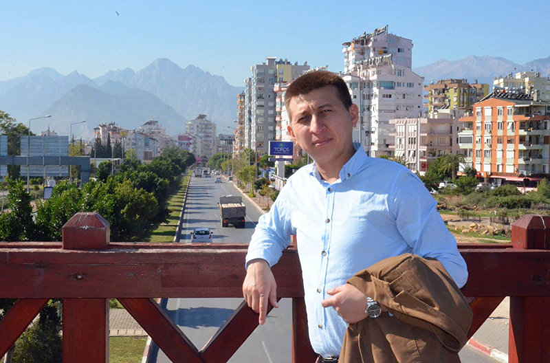 Журналист Тынчтык Кожобеков в Анталье, Турция