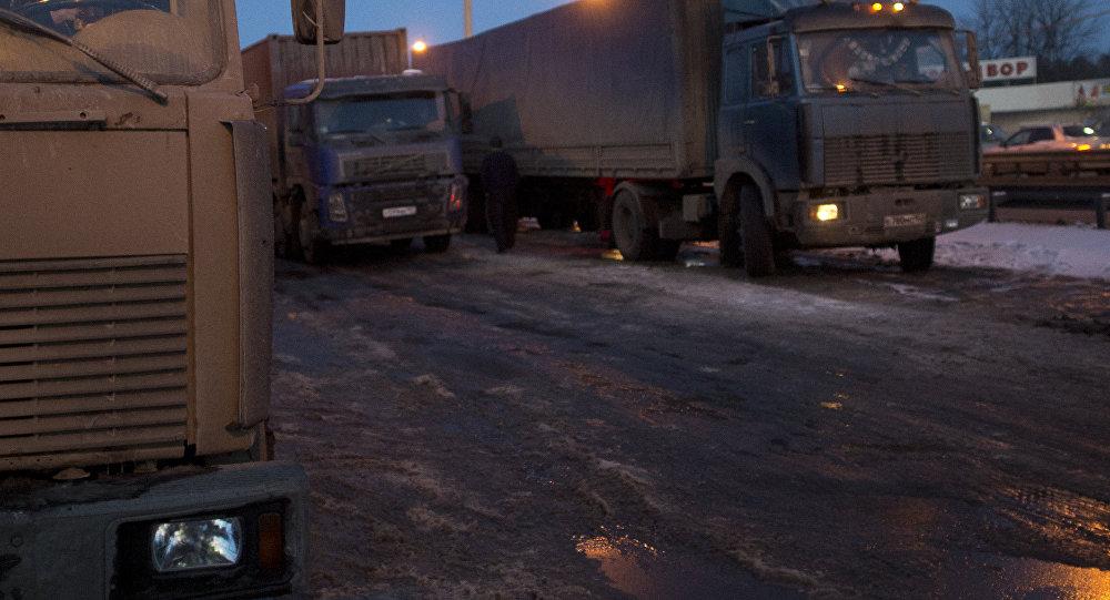 Встрашном ДТП натрассе вСаратовской области погибли семь граждан Кыргызстана