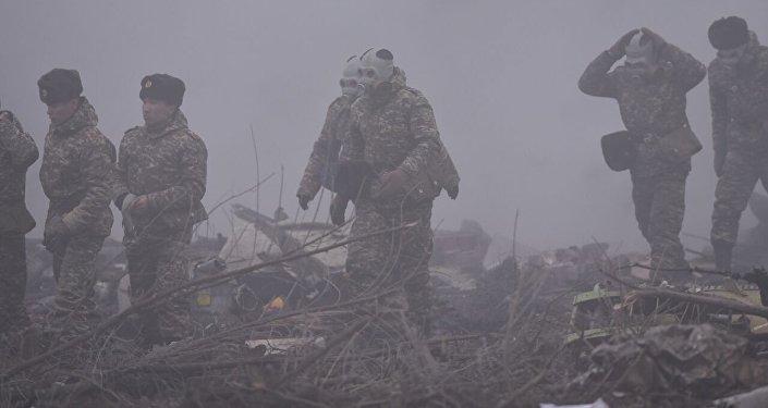 Наместе крушение Boeing под Бишкеком снова продолжились поиски