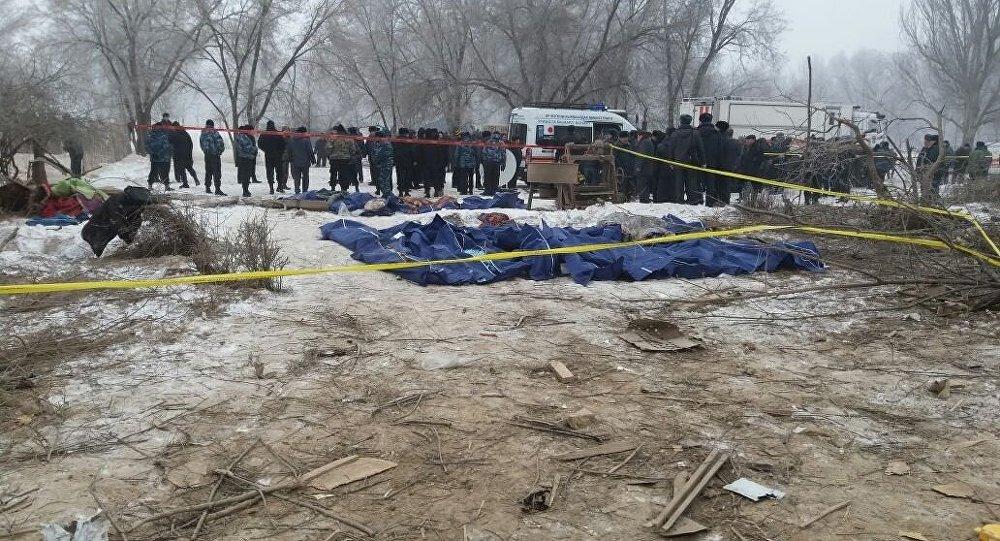 Под Бишкеком cотрудники экстренных служб  возобновили разбор завалов наместе падения грузового «Боинга»