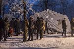 Временный лагерь для родных и близких погибших в результате крушения грузового авиалайнера в селе Дача-Суу