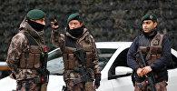 Стамбул полиция кызматкери. Архивдик сүрөт