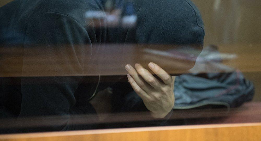 Дубай: Шотландца арестовали зато, что онкоснулся мужского бедра втолпе