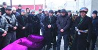 Первые похороны после авиакатастрофы — слезы и боль родных