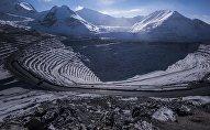Карьер по обогащению золотоносной руды добываемой на руднике Кумтор и разрабатываемая компанией Centerra Gold Inc.